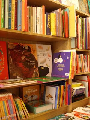 Une belle librairie marseillaise, ici le coin jeunesse