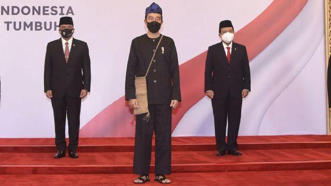 Pengen Tahu Total Harga Pakaian Adat Suku Baduy yang Dipakai Jokowi? Segini Rincian Harganya