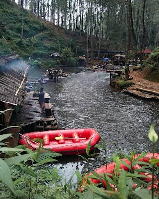 pemandanagan alam sepanjang sungai palayangan