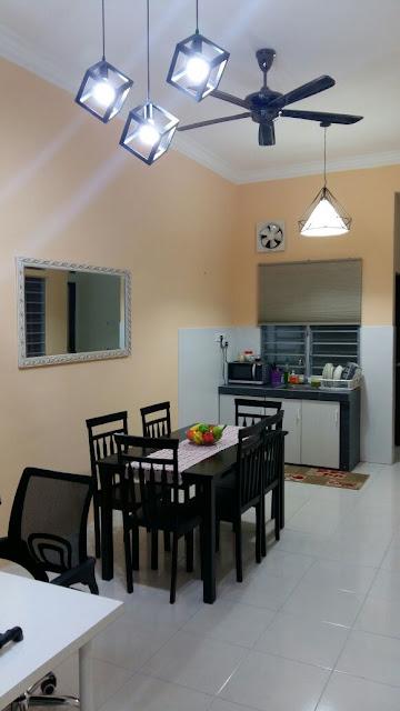 Adni Suite Homestay Seri Manjung Lumut | Dining Room