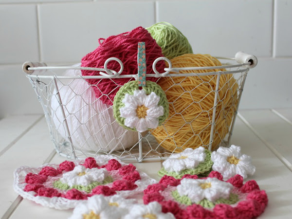 Daisy Wheel Crocheted Cushion