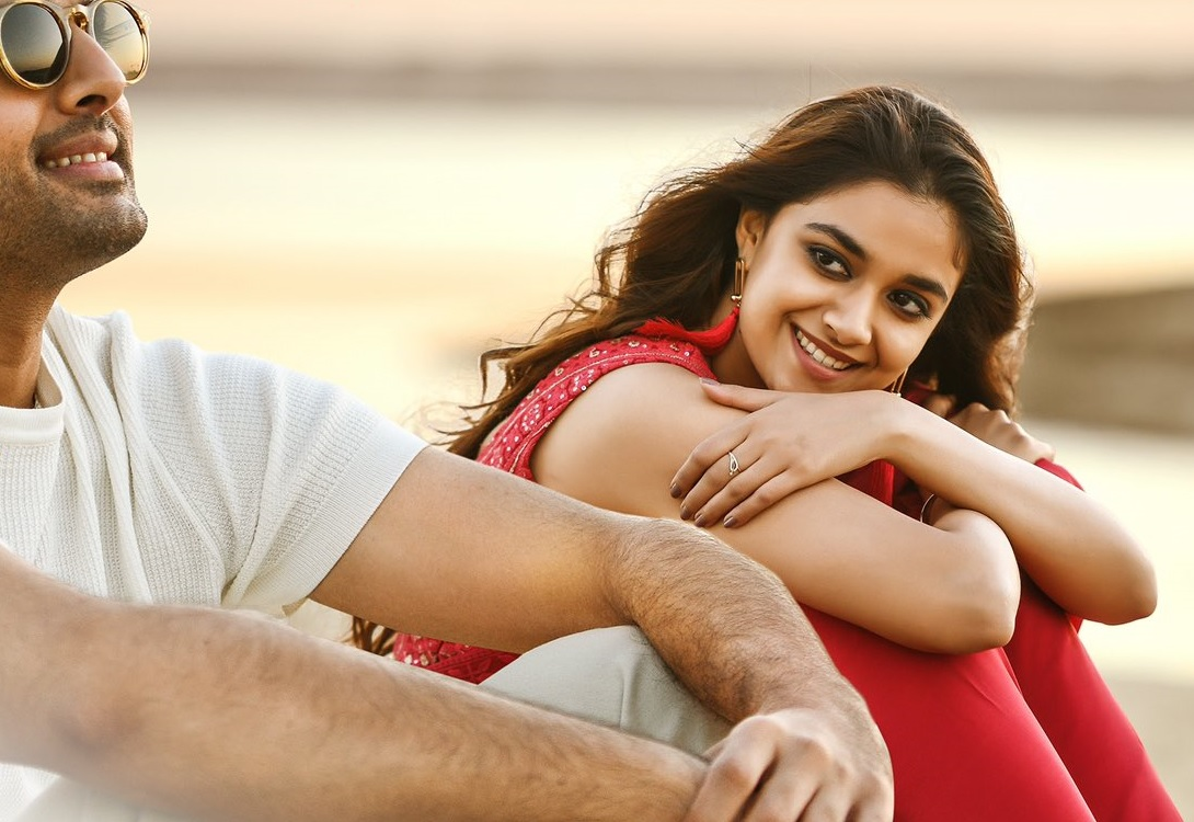 Keerthy Suresh Awesome Lovely Smile with Nithiin from RangDe