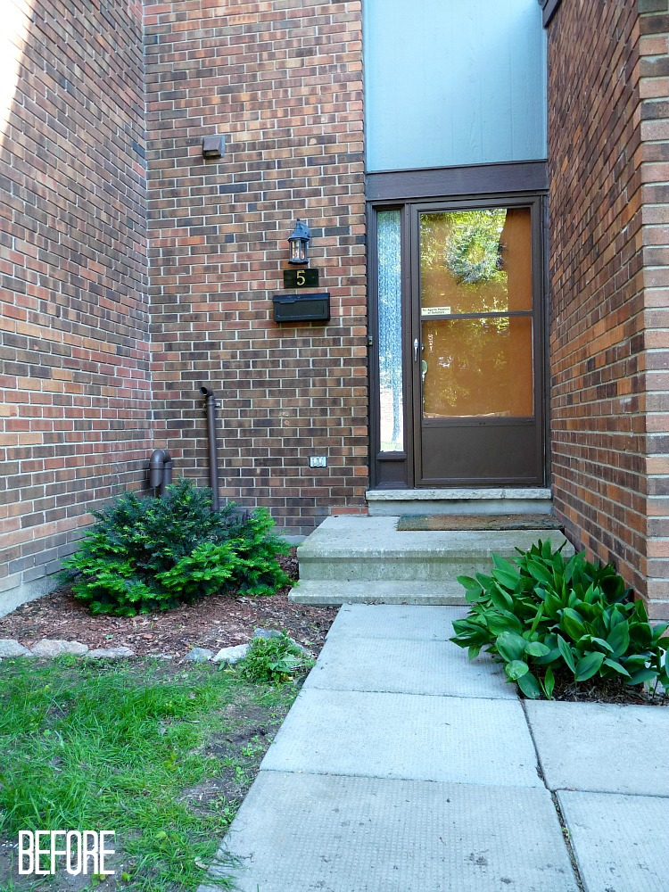 Adding curb appeal to townhouse