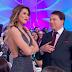 Em clima descontraído, Silvio Santos expulsa Lívia Andrade do palco e a chama de 'maconheira'