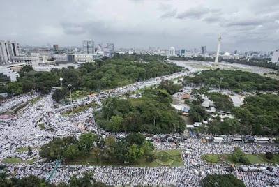 Demo 212 Aksi Damai 2 Desember 2016 Bela Islam 3 di Monas Jakarta Hari Ini