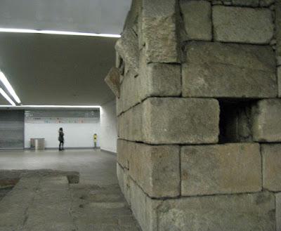 Ruínas da Arca de Água na estação de metro Campo 24 de agosto