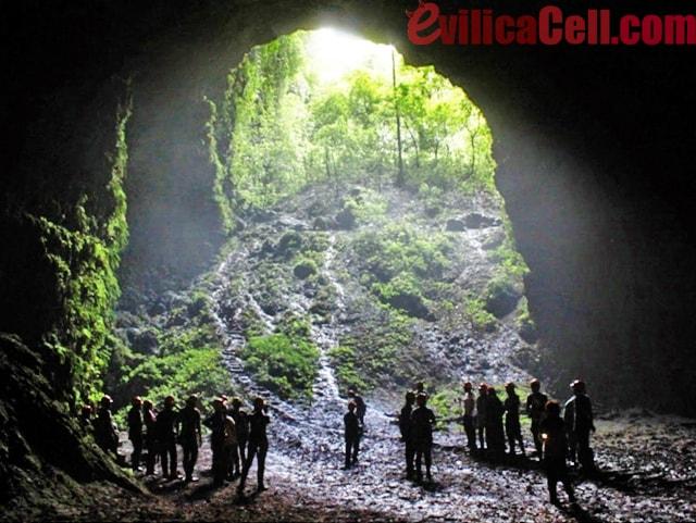 Goa Jomblang Gunung Kidul Yogyakarta