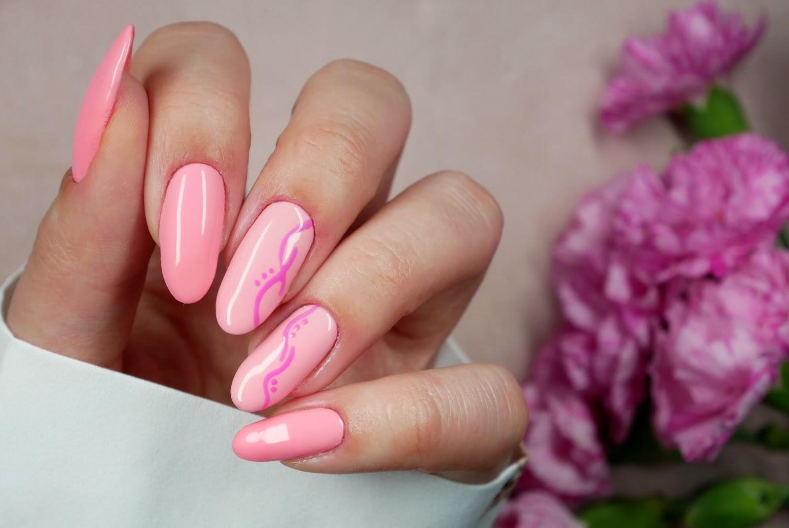 paznokcie - pastelowe kolory