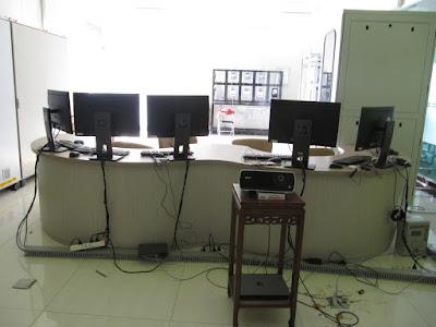 Meja Front Desk Untuk Ruang Lobby + Furniture Semarang