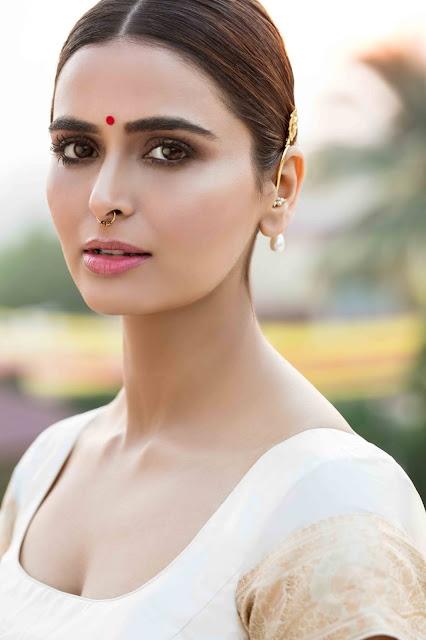 Actress Meenakshi Dixit Latest Stunning Photoshoot Pics Actress Trend