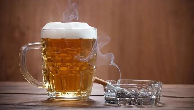استهلاك الكحول والسجائر