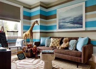 Kombinasi Warna Biru-cokelat Muda untuk Ruang Keluarga
