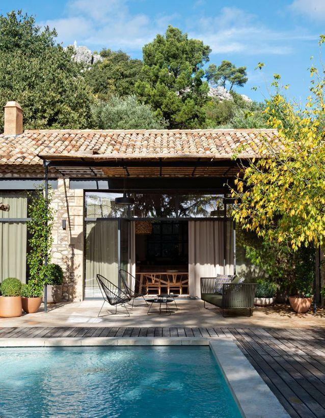 maison-provencale-jardin-avec-piscine