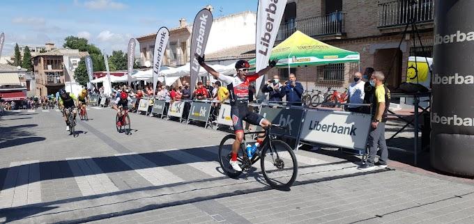 Victoria de Javi Hernández en Olías y doble top10 en Extremadura y Alcoy