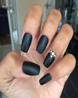coffin nails short black desings