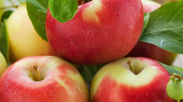 Kisah Pemuda dan Sebutir Apel