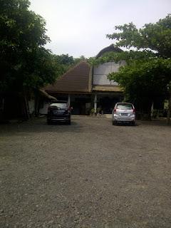 Gallery Tenun di Desa Sukarara