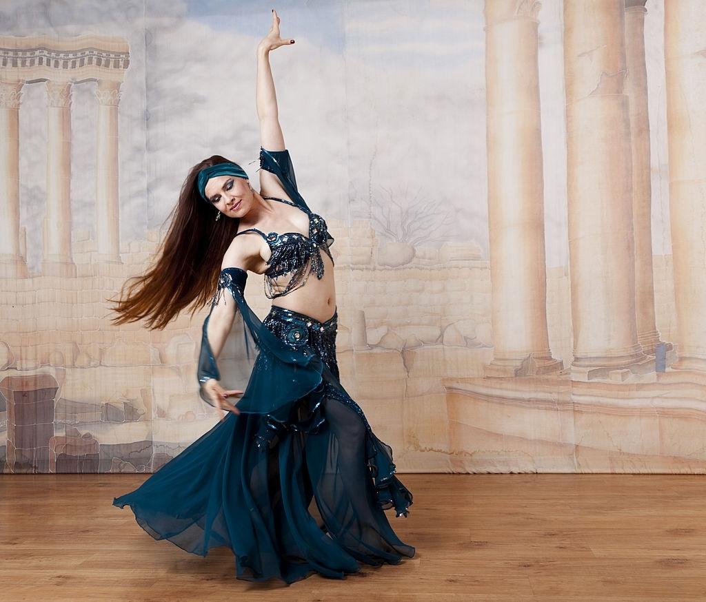 Didem Kinali: best Female Dancer