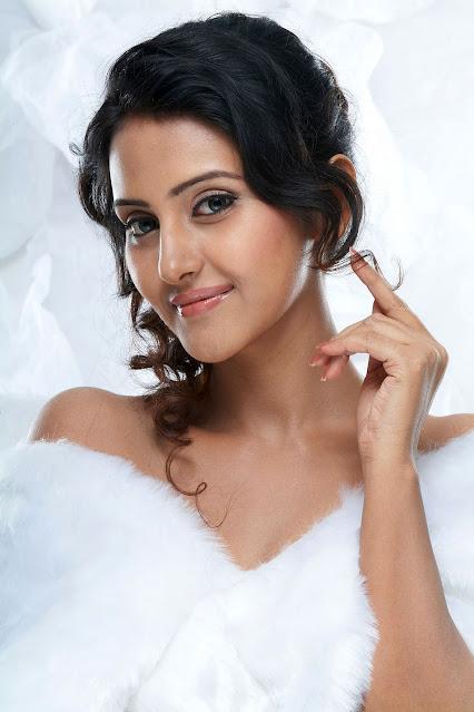 Tollywood Actress Archana Gupta Latest Stills Navel Queens
