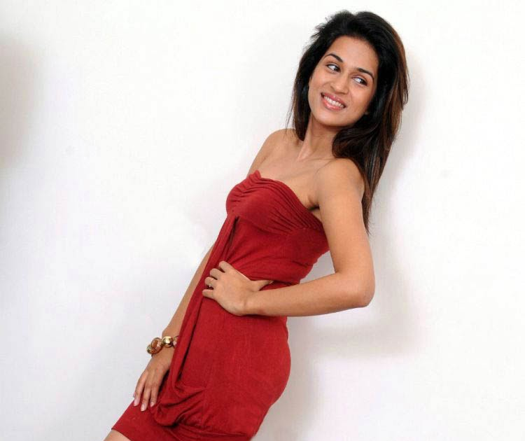 Shraddha Das Latest Pics In Red Mini Skirt