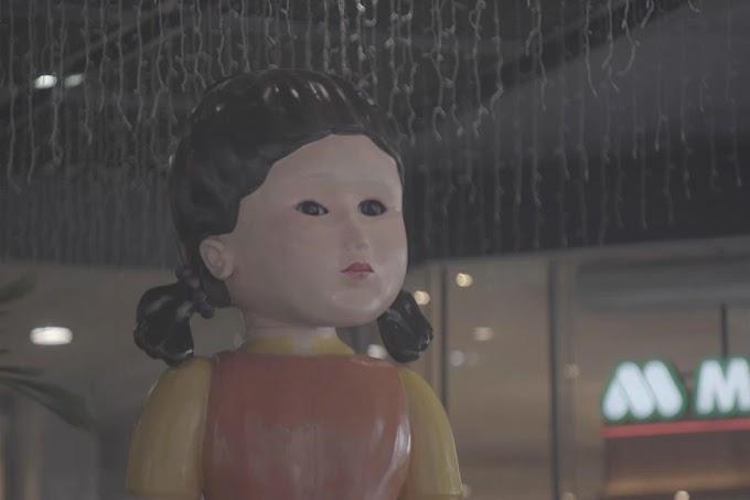 WATCH: Squid Game doll polices jaywalkers in Ortigas