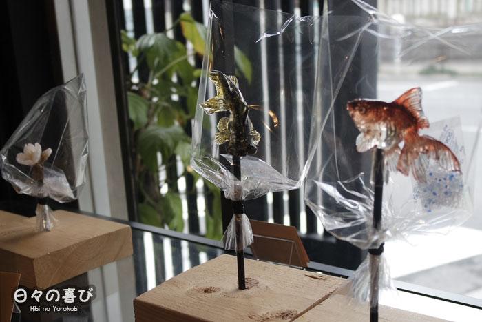 vitrine du showroom amezaiku ameshin asakusa