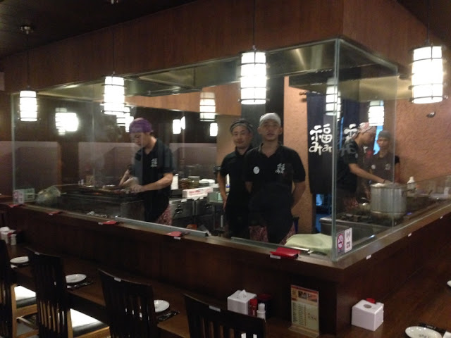 barisan para chef yg siap menyambut dengan ramah