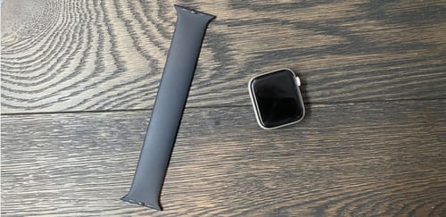 Apple offers free repairs for Apple Watch devices