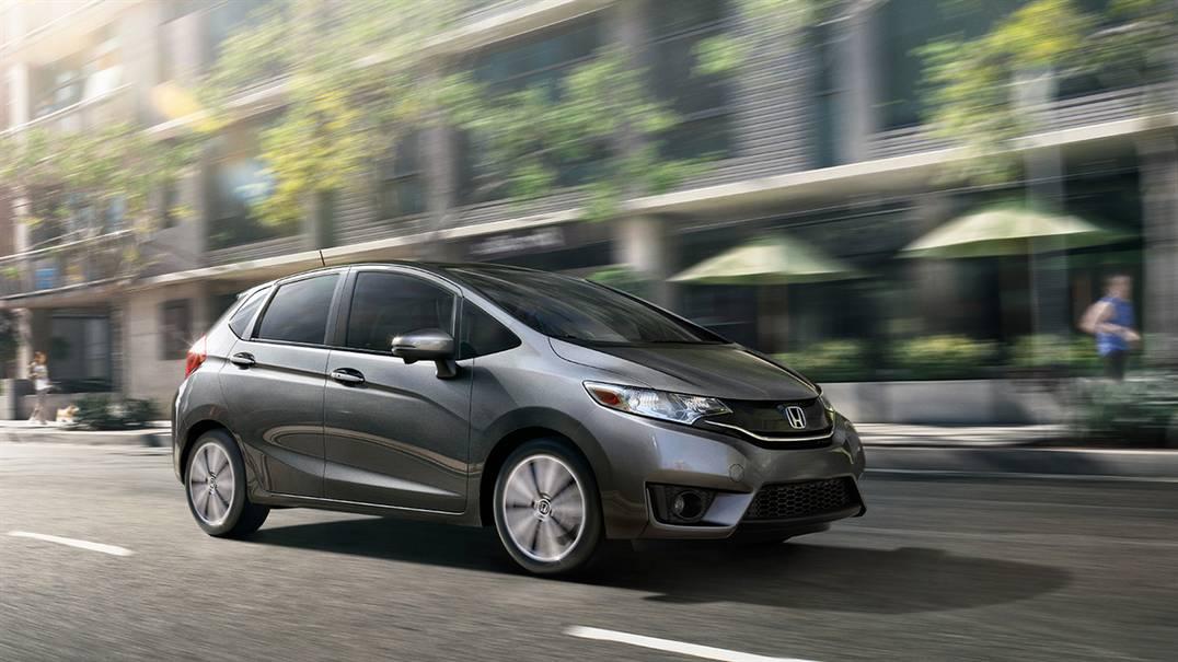 Khi chạy xe ở tốc độ cao có thể xe sẽ khá ồn, không êm ái như các dòng Honda khác