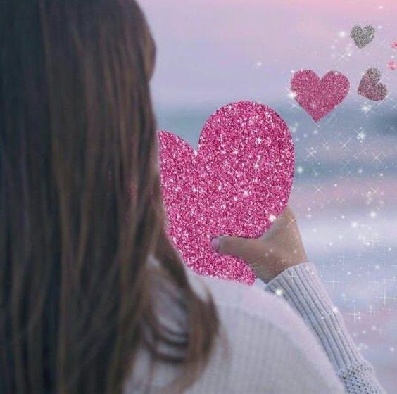 girl hand heart wallpaper