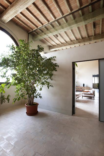 15th Century Italian Villa Renovation By CMT Architects 11