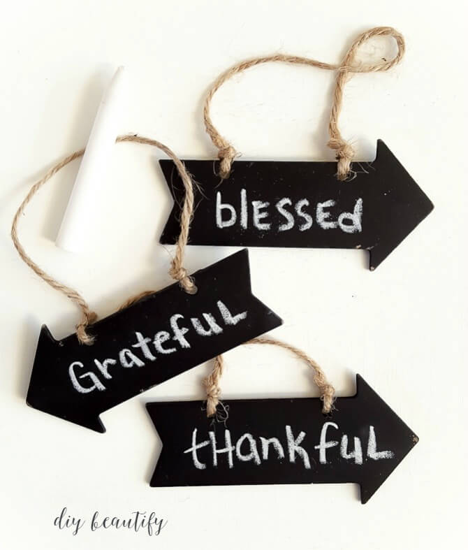 Thanksgiving garland with chalkboard tags