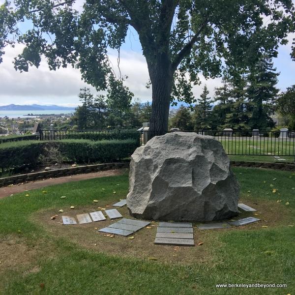 Dean Witter gravesite at Sunset View Cemetery in El Cerrito, California