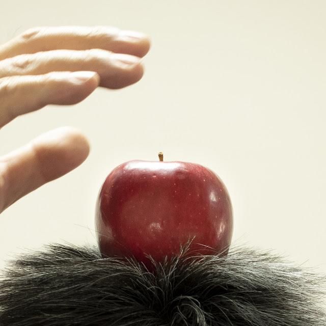 私の頭からリンゴが生えてきた