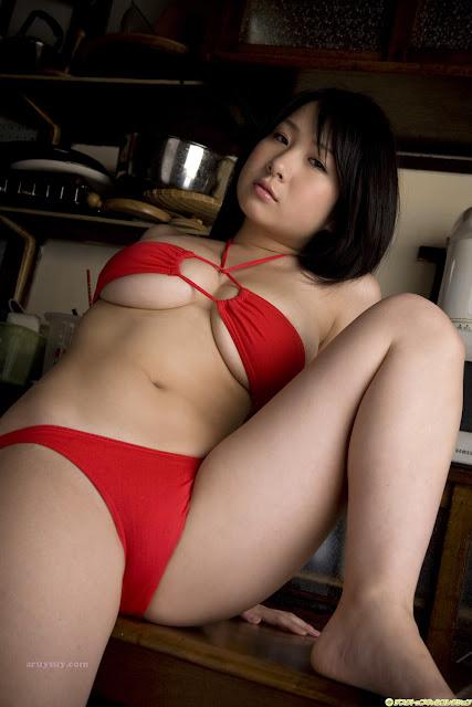 Pretty naked chinese girls