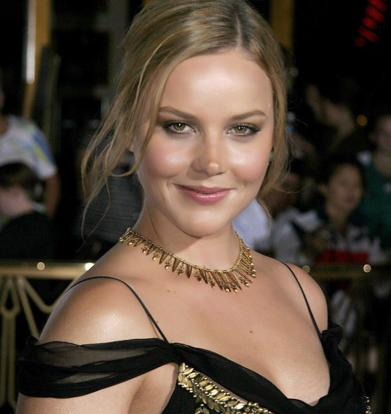 Hollywood Actress Wallpaper: Abbie Cornish HD Wallpapers