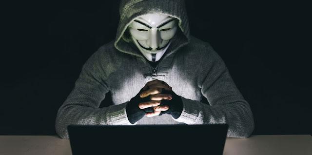 لحظة اختراق هكر سعودي قناة المنار اللبنانية