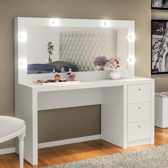 http://www.americanas.com.br/produto/13019231/penteadeira-camarim-com-espelho-e-3-gavetas-branco?condition=NEW&cor=Branco+-+TM