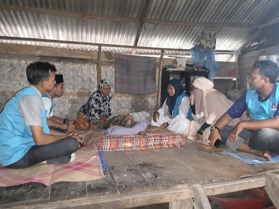 Kakek Samidan terbaring bertahun-tahun dengan kondisi Badan hanya tinggal tulang dan Kulit, Aceh Utara