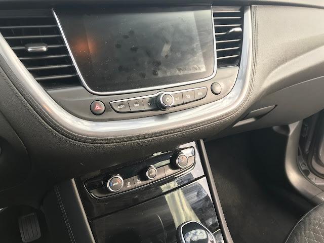 Opel grandlandx front panel