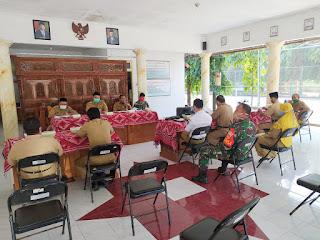 Sosialisasi Tentang Pedoman Pencegahan dan Pengendalian Penyabaran Covid-19, yang berada di Pendopo Kecamatan Mayong