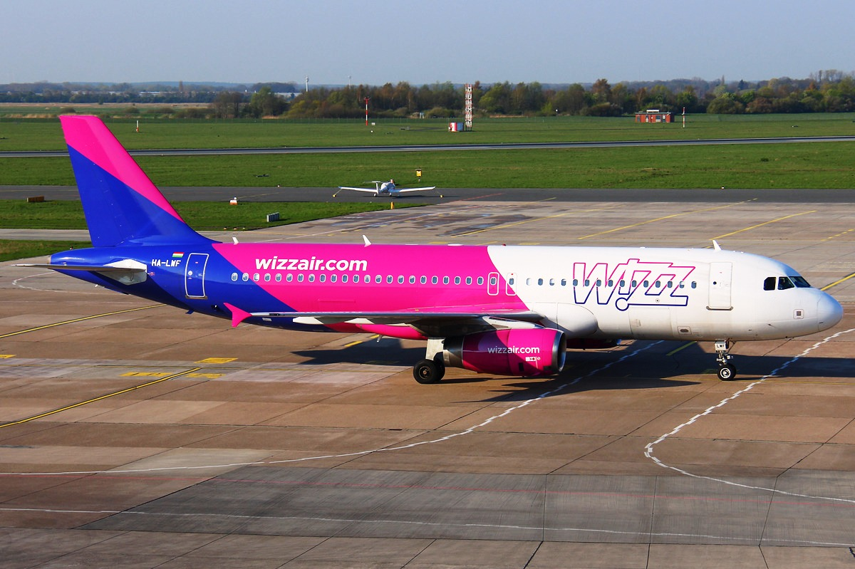 Wizz Air opens a base at London Gatwick