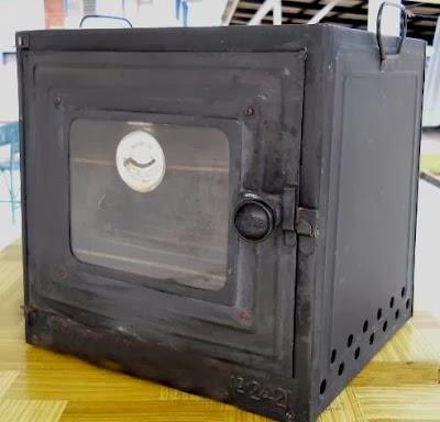 Lontarkan Soalan Kepada Friends Kjee Di Fb Terutama Sekali Yang Sangat Baking Supaya Balik Ke Zaman Ibu Kita Dulu Yezza Guna Oven Gas Cap