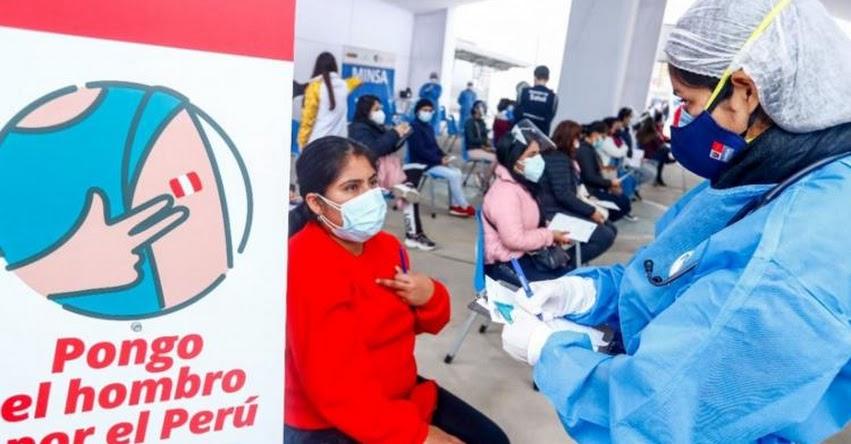 MINEDU anunciará la próxima semana vacunación a docentes de universidades e institutos