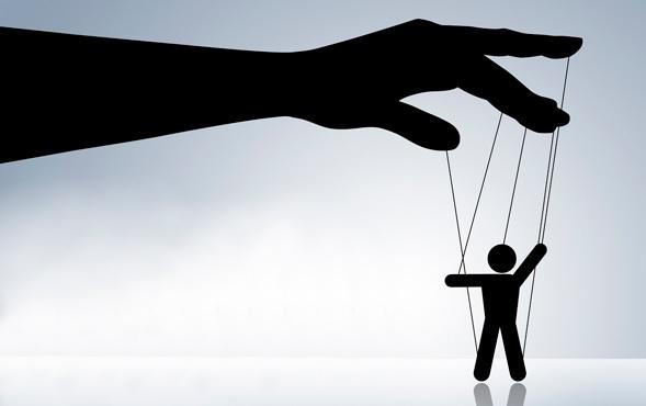 Ragioni per cui le persone diventano manipolative