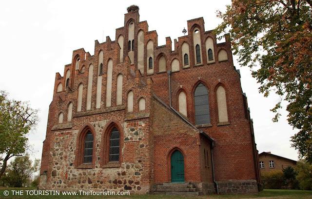Linum Dorfkriche Village church the touristin germany brandenburg