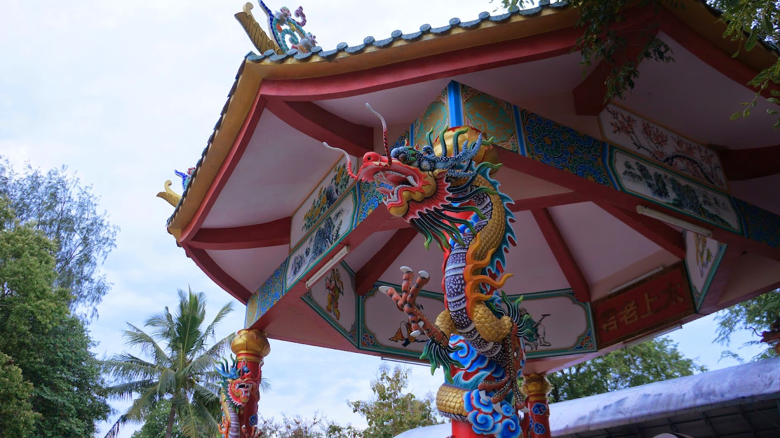 Interesting depictions of Chinese folklore in Wang Sam Sien Temple