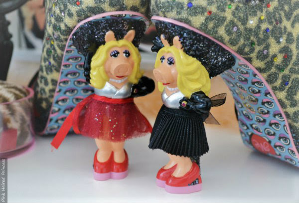 changeable skirts on Miss Piggy character heel on irregular Choice boot