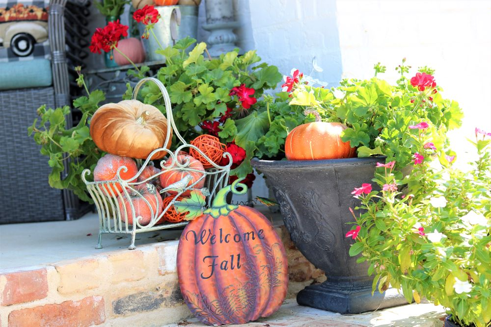 porch-fall-decorating-tips-essentials-athomewithjemma