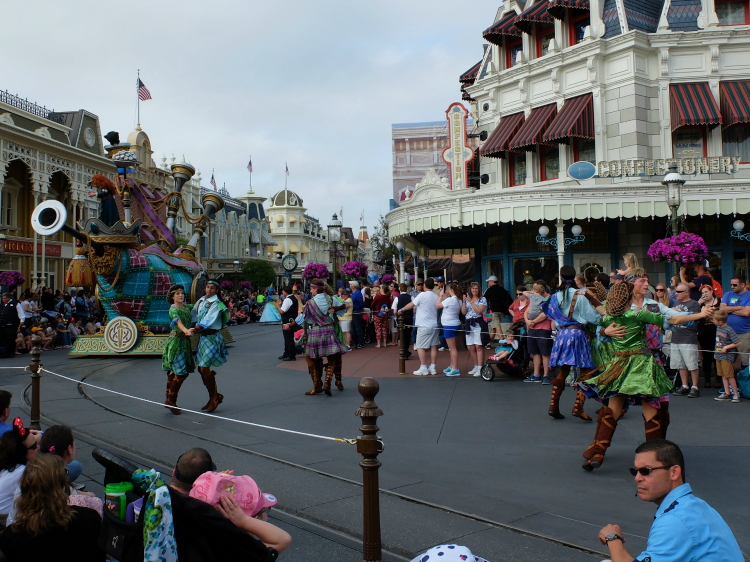 Festival of Fantasy Parade, fastpass viewing area